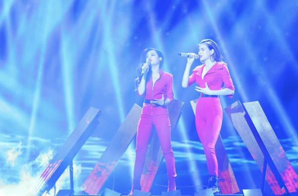 [Caption]Giang Hồng Ngọc khoe được chất giọng khoẻ khoắn trong sáng tác của nhạc sĩ Phương Uyên.
