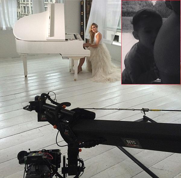 Vài ngày trước, Falcao khoe ảnh bà xã mặc bộ váy trắng lộng lẫy ngồi trước cây đàn piano lớn