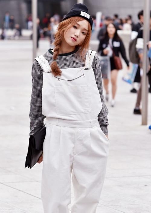 Lee-Seong-Kyeong-at-Seoul-Fashion-Week-S