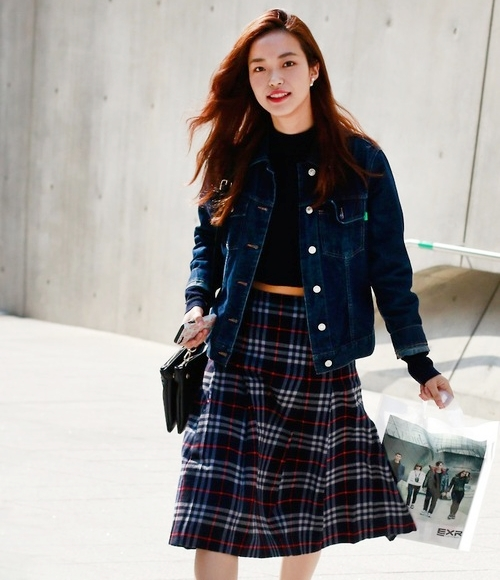 Seon-Hwang-at-Seoul-Fashion-Week-Spring-