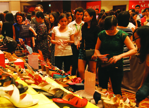 Sự kiện này đã diễn ra tại khách sạn Sofitel Saigon vào ngày 16 và17/8, thu hút gần 10.000 lượt người tới mua sắm