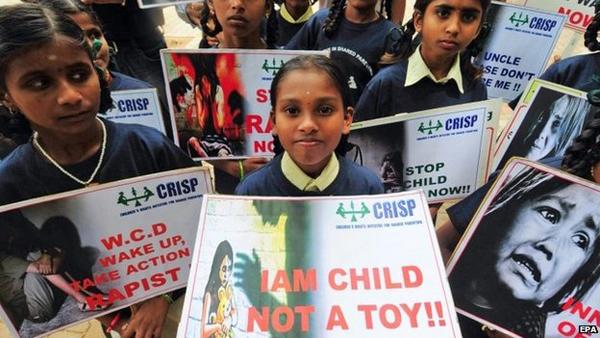 Bé 3 tuổi bị cưỡng hiếp ở trường học