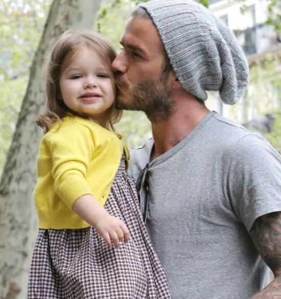 Ông bố lý tưởng bên cô con gái lý tưởng.