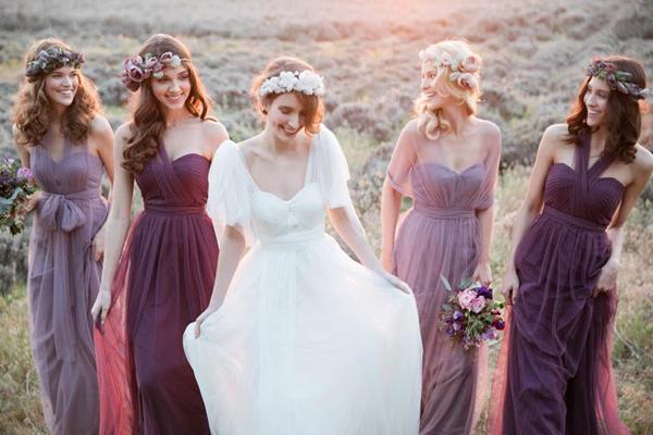 Chọn váy dạ hội thướt tha làm váy phù dâu