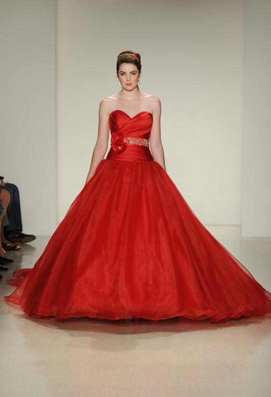 Snow-White-wedding-dress-9981-1414171488