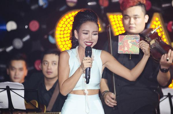 ca-si-Thao-Trang-6-4864-1414207633.jpg