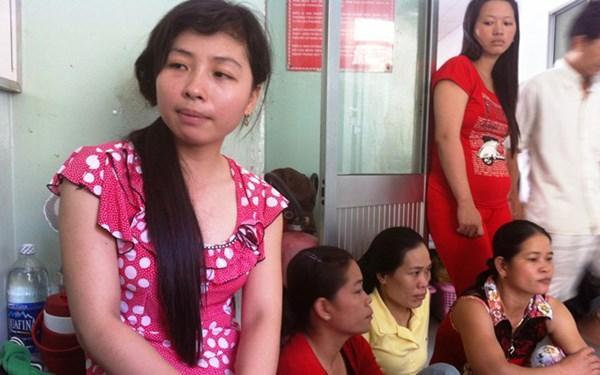 Chị Nguyễn Thị Kim Quanh (dì ruột bé sơ sinh) cho biết gia cảnh nạn nhân rất khó khăn, hai vợ chồng làm ruộng.