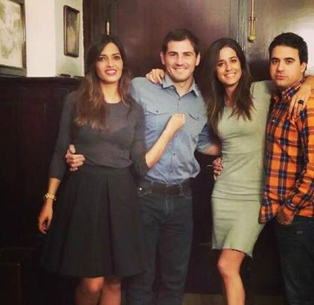 Thủ thành Casillas và người yêu Sara Carbonero