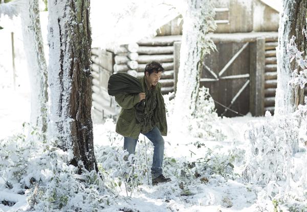 Trần Bảo Sơn diễn xuất trong cảnh tuyết rơi ở Đà Lạt