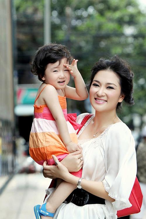 Nguyen-Thi-Huyen-8168-1414554787.jpg
