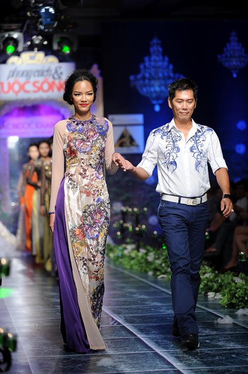 Người mẫu Phùng Ngọc Yến và nhà thiết kế Minh Trị.