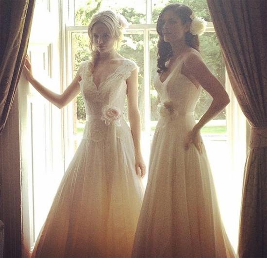 Người đẹp Erin O'Neill mặc váy cô dâu