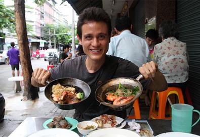 Định cư hẳn ở Thái Lan vì quá mê đồ ăn đường phố
