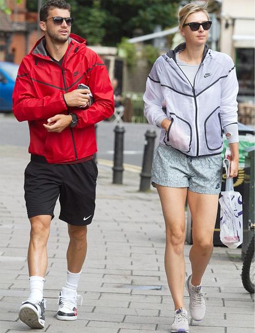 Hơn một năm yêu nhau, Sharapova và Dimitrov thường xuyên bị đồn trục trặc hoặc đã chia tay.