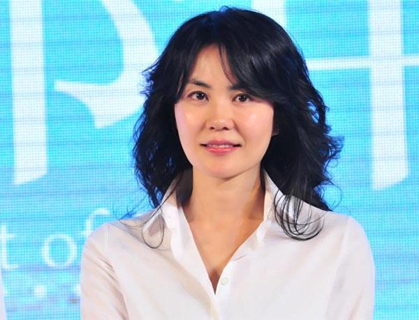 vuong-phi-1-7214-1415072003.jpg