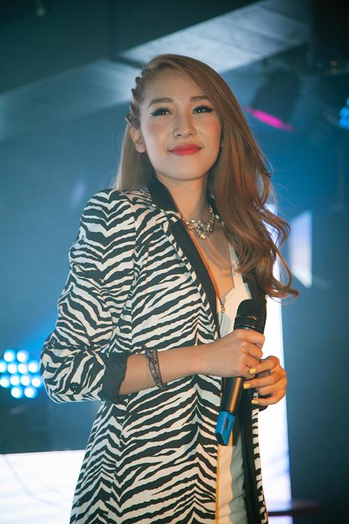 Emily-Hanh-Sino-11-6466-1415184892.jpg