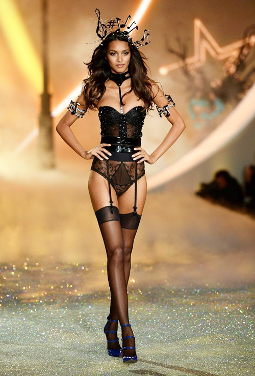 Lais-Ribeiro-Victorias-Secret-Fashion-Sh