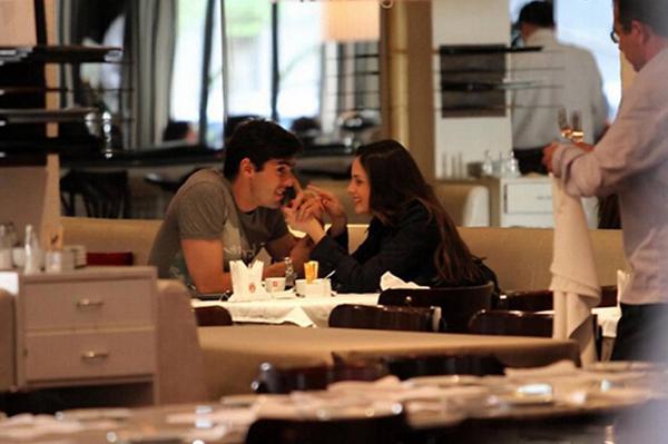 Kaka và bà xã trong một buổi hẹn hò lãng mạn năm 2012.