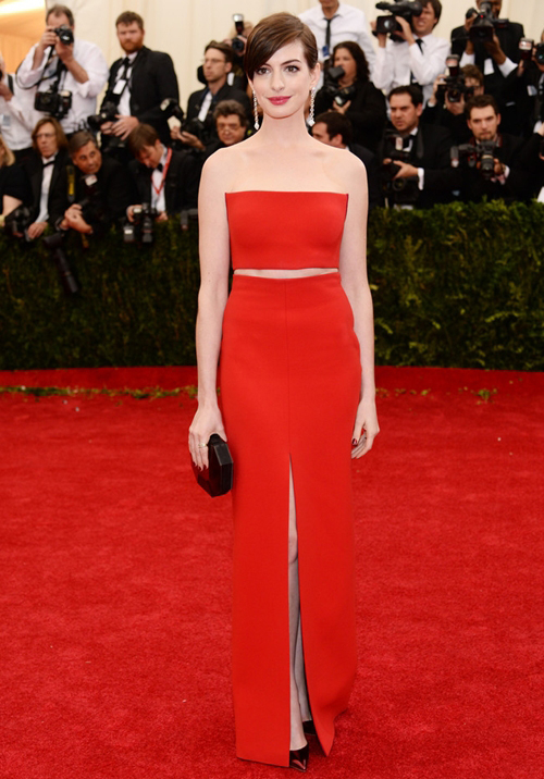 Anne-Hathaway-Dresses-Skirts-Strapless-D
