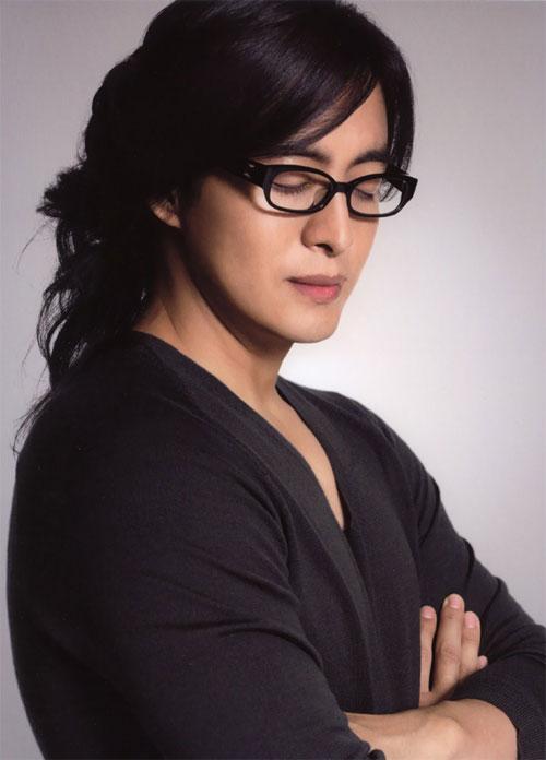 bae-yong-joon-1-4723-1415872805.jpg