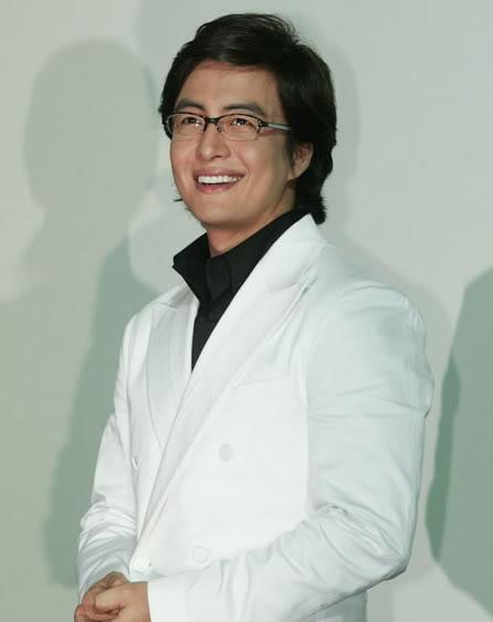 bae-yong-joon-2-8204-1415872804.jpg