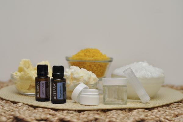 Hướng dẫn tự làm son dưỡng môi lành và sạch