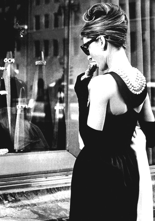 Breakfast-at-Tiffanys-staring-2811-6311-