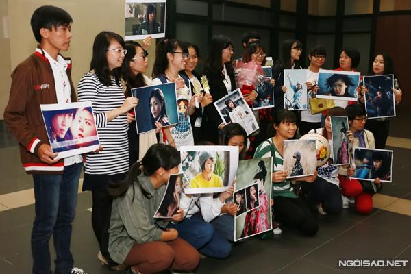Theo lịch trình, Ha Ji Won sẽ tham gia buổi gặp gỡ báo giới vào sáng 15/11 cùng 6 đại diện truyền thông khác của tổ chức Phẫu thuật Nụ cười. Buổi chiều cùng ngày, cô trả lời riêng một số đài truyền hình và buổi tối dự tiệc đấu giá từ thiện cùng nhiều vị khách và nghệ sĩ của Việt Nam. Ngày 16/11, cô sẽ đến thăm hỏi và tặng quà cho các trẻ em bị dị tật ở vùng mặt tại bệnh viện Cu Ba.