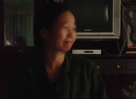 Bà Phạm Thị Nhung ( mẹ nạn nhân B.) tâm sự với PV