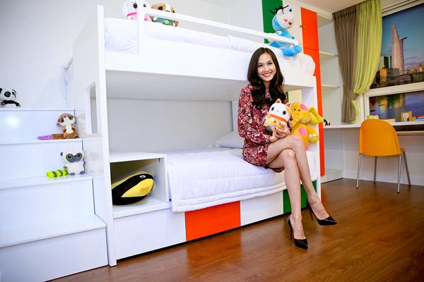Duong-My-Linh-khoe-nha-moi-7-8121-141636