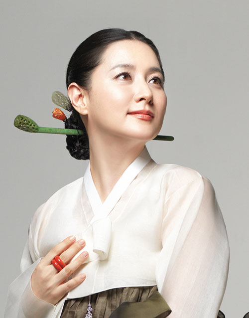 Lee-Young-Ae-2-5966-1416383157.jpg