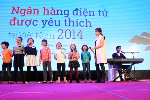 Luu-Huong-Giang-Ho-Hoai-Anh-3-7390-14163