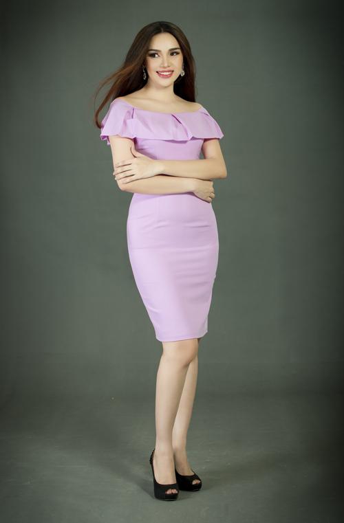 Hoa hậu Diệu Hân khoe dáng với váy bó sát