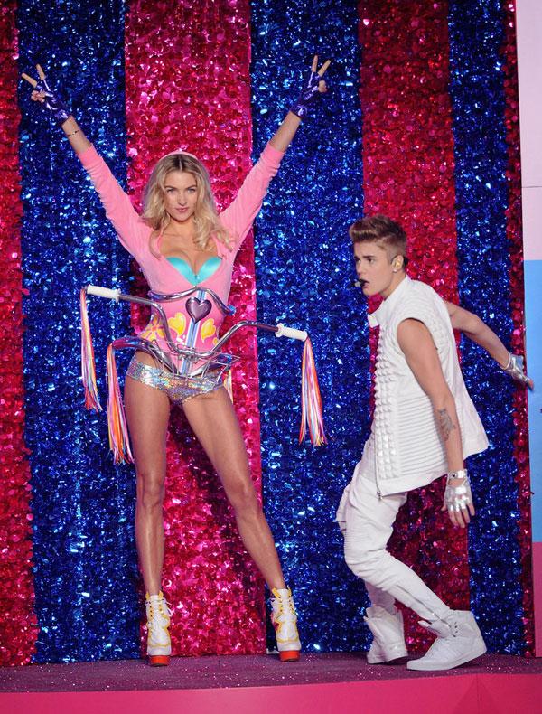 9-Justin-Bieber.jpg