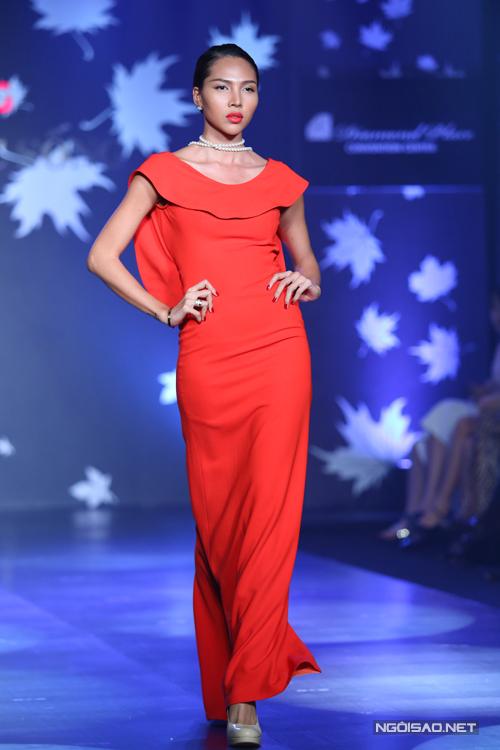 Minh Triệu thành công trong việc xây dựng hình tượng một người mẫu cá tính và vô cùng sexy, cô luôn gây sức hút với những sải bước mạnh mẽ mỗi khi xuất hiện trên sàn diễn thời trang.