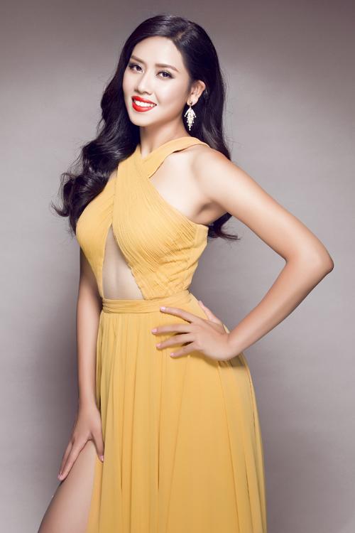 Trang-phuc-da-hoi-cua-Nguyen-T-3010-1228