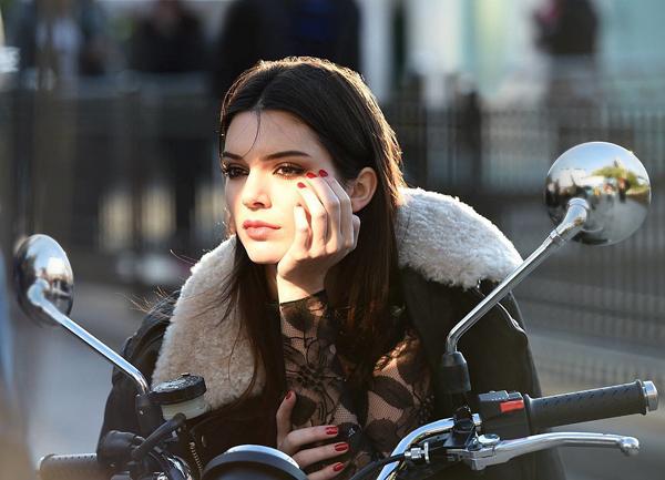 3-Kendall-Estee-Lauder.jpg
