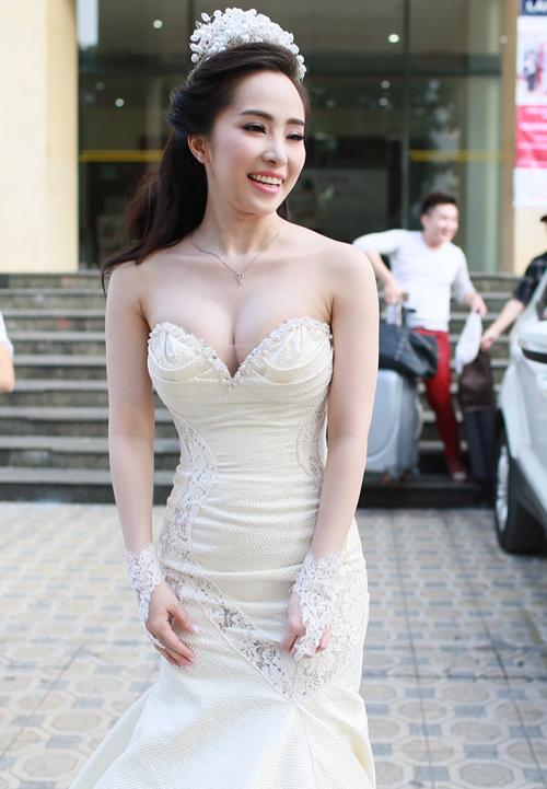 4 váy cưới đa phong cách của Quỳnh Nga
