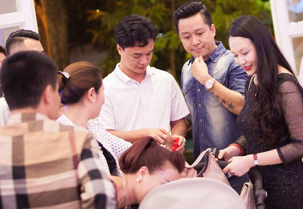 Con-trai-Tuan-Hung-4-2588-1416965335.jpg