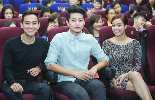 Hoang-Thuy-Linh-Harry-Lu-2-8799-14169778