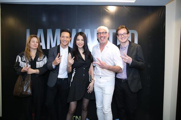 Ê kíp 'I Am Wanted' ra mắt truyền thông. Từ trái sang: đạo diễn Beata Gardeler, Kim Lý, Trương Ngọc Ánh, nhà sản xuất Niv Fichman và biên kịch người Thụy Điển James Schultz.
