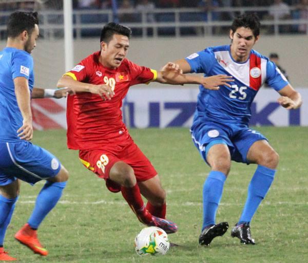 Các cầu thủ Việt Nam nhập cuộc hừng hực khí thế và thi đấu khá chắc chắn.
