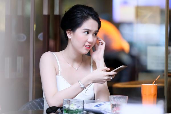 ngoc-trinh-10-5804-1417226809.jpg