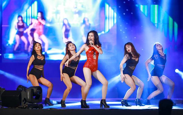 dong-nhi-8048-1417405825.jpg