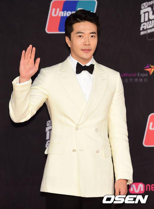 kwon-sang-woo-8324-1417602188.jpg