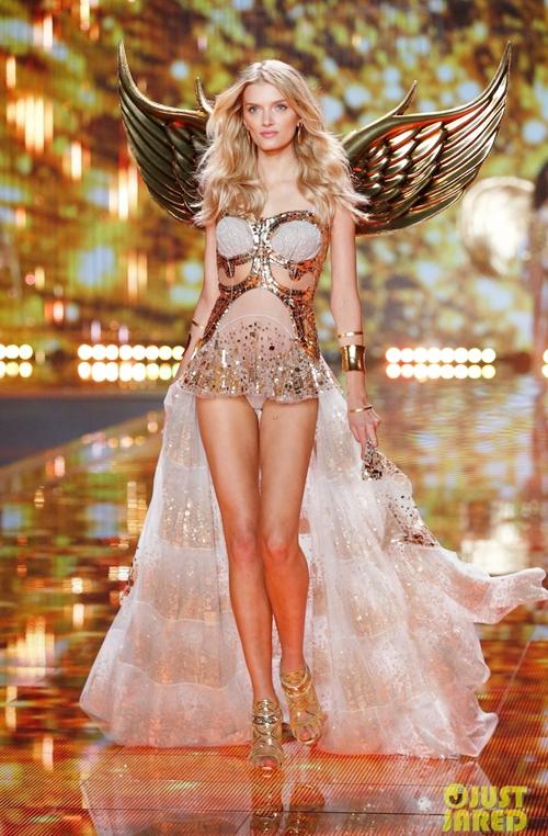 Ngắm những thiên thần nội y Victoria's Secret đẹp rạng ngời phần 4