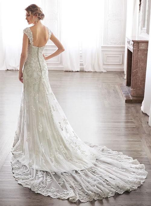 7 mẫu váy cưới dự đoán sẽ `gây bão` 2015