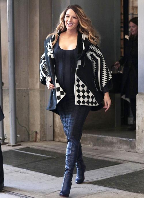 Gợi ý style thời trang bầu vô cùng quyến rũ của Blake Lively 12