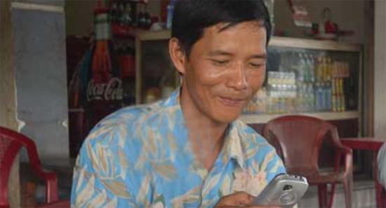 [Caption]Anh Võ Như Hiền 20 năm qua gắn bó với nghề nhặt xác người tai nạn.