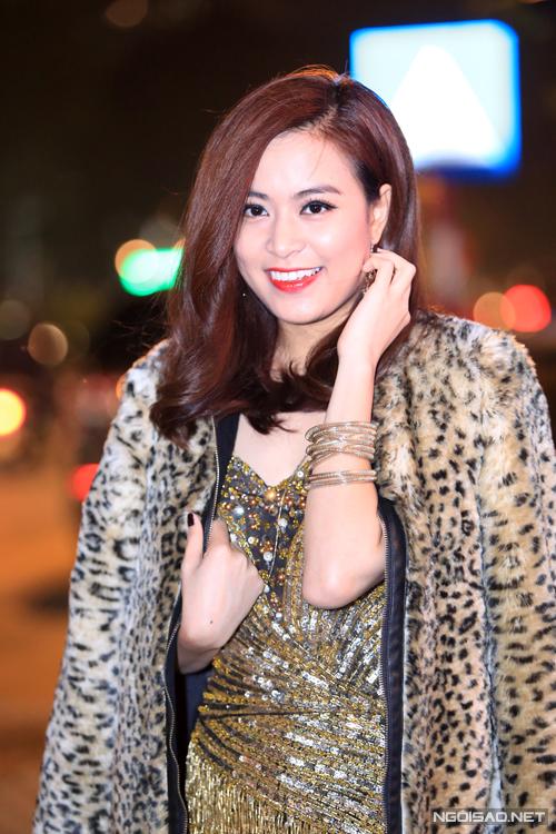 Hoang-Thuy-Linh-7-4291-1418261430.jpg